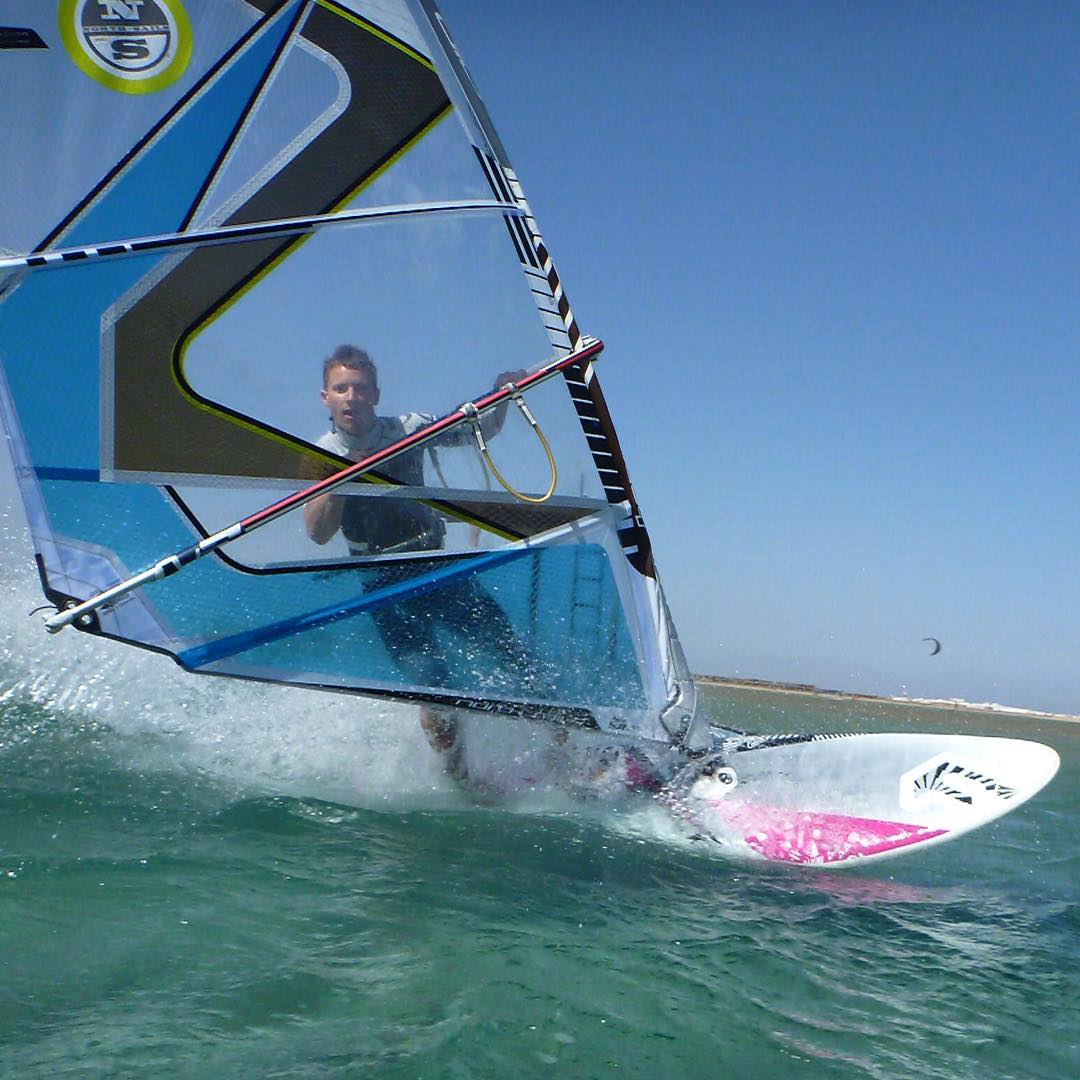Snow in the mountains, but my mind is more like this! Looking forward to windsurf again soon