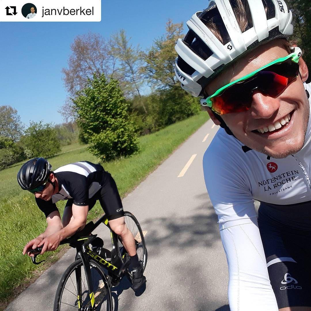 Very impressive ride with pro triathlete @janvberkel So cool to try his bike, what a machine that is!!  @janvberkel with @repostapp ・・・ Inspiring ride with olympic snowboard medallist @nevingalmarini . He looked smooth on my TT and was bombing down the downhills as if he was on snow