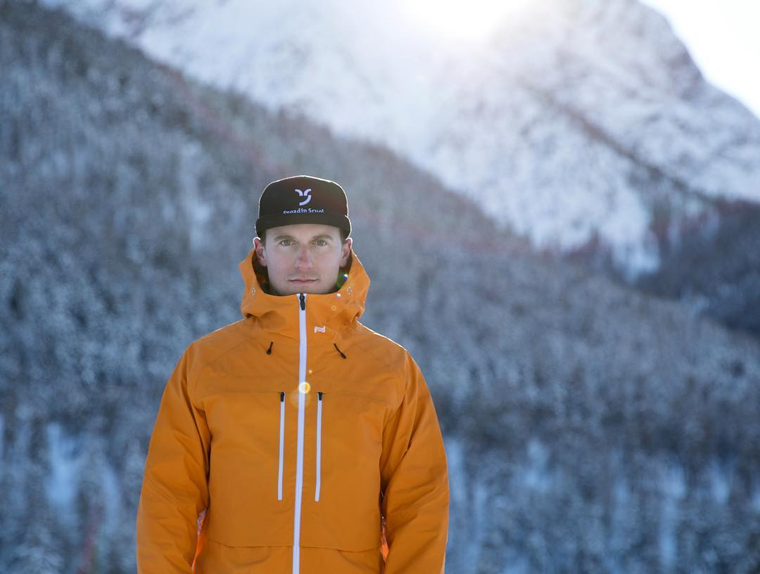 I'm very happy to announce my partnership with @fadesignouterwear This Canadian brand expands the technical horizon of snowboard specific gear - for real. : @dominik_taeuber