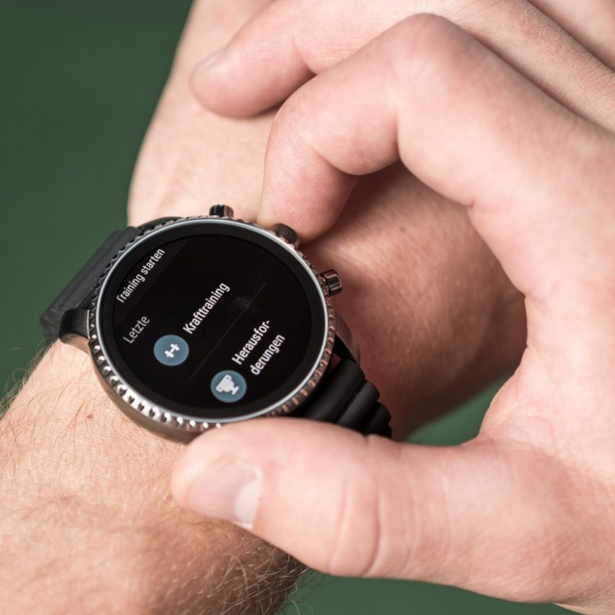 Let's do another set! @fossil Q Touchscreen Smartwatch Generation 4