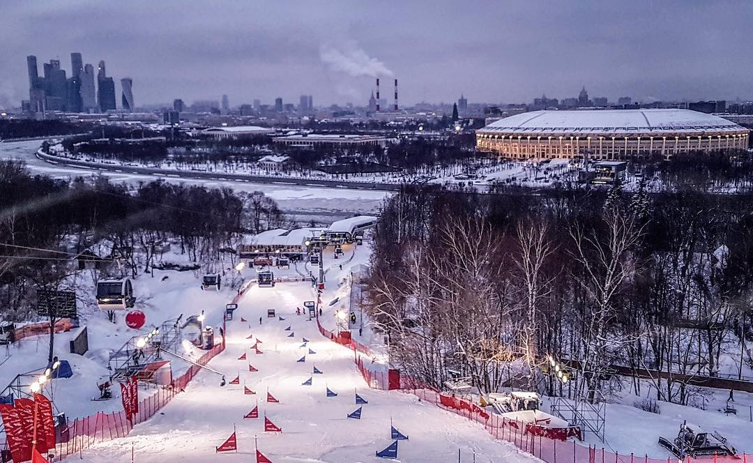 This is where we raced - in front of the stadion next to the Moskwa river. I've been in Moscow many times and this time was the best one! . . . Not the best was my performance. I finished 10th in a tight race. Now I already look forward to the Snowboard World Championships in a couple of days in Park City, USA.