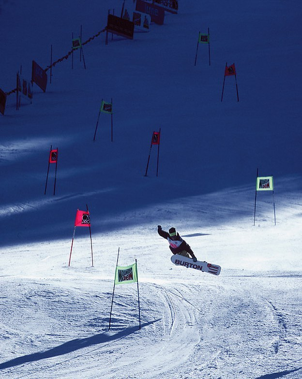 What's the superlative of #badass? Jeff Brushie @jeffbrushie did this method grab during a giant slalom run back in 1992!! 🤘🏽 Whatever his run time was - he's still winning! : @budfawcett