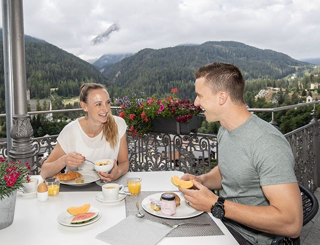 👫🥐🍉☕️😋 . . . @belvedere_hotels_scuol #engadinized . . . 📷: @dominik_taeuber