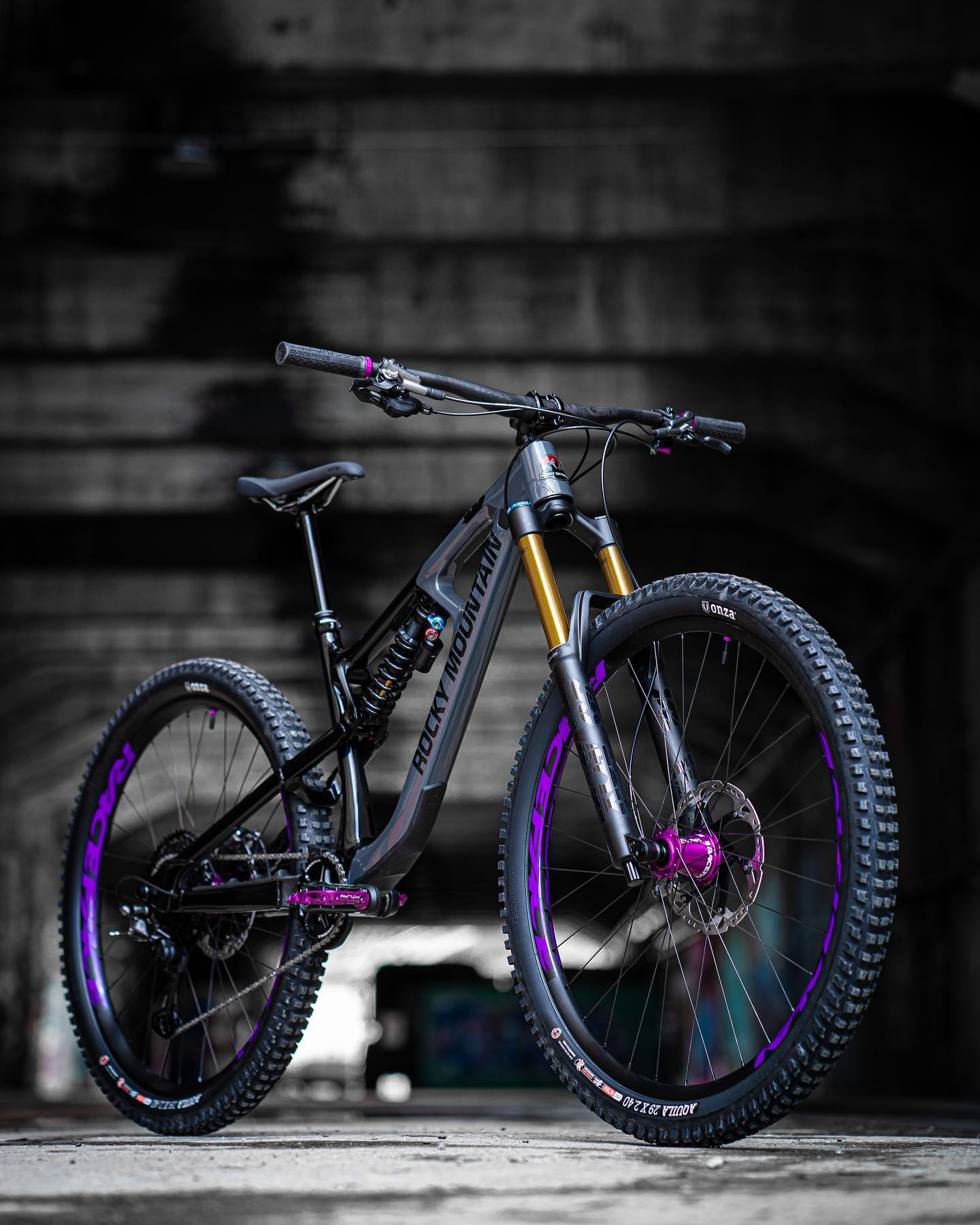 . Thanks to my fantastic sponsors for this beast/beauty! Here's the all-new Rocky Mountain Slayer! I hope you like the custom Raceface purple details as much as I do  . Huge thanks to: - @chrissports.ch - @rockymountainbicycles - @raceface - @onzatires ...you guys rock! . . . 📸: @oceanagalmarini . .