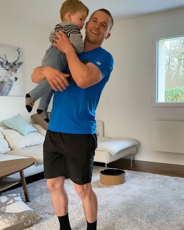 Staying at home means more fun with my twin boys! Here's how you can still get a workout in 🏼🏼 . . .